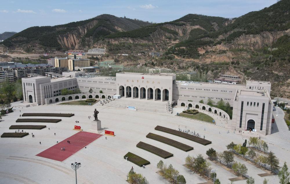 革命(ming)聖地延ying)步jiang)建設中國革命(ming)博物(wu)館(guan)城
